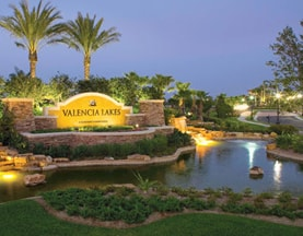Valencia Lakes 55+ community entrance