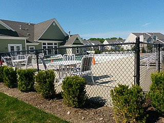 Vineyards at Moriches pool area