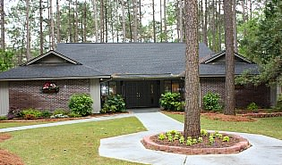 Myrtle Trace clubhouse