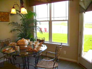 model home breakfast area at Heritage Shores