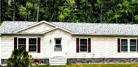 Woodland Estates manufactured home in Fitchburg Ma.