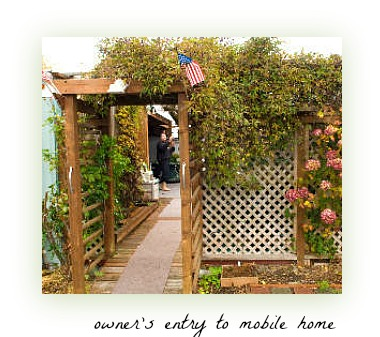 garden entry to mobile home