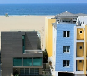 beach and apartments at Santa Monica