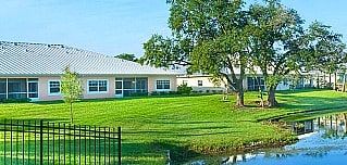 Water's Edge of Lake Wales retirement community